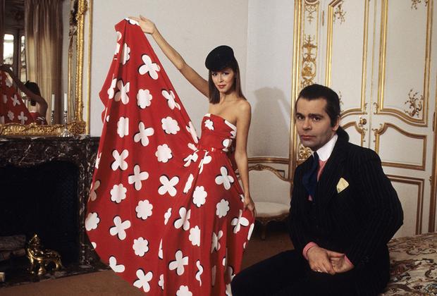 Лагерфельд во время работы в доме Chloé, 1978 год