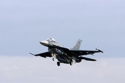 Японский истребитель F-2 упал в море