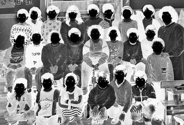 Еще один опыт изучения себя от Фатимы Абреу Феррейры. В 33 года она решила отказаться от привычного образа жизни и вернулась в родной город, чтобы изучать фотографию и попытаться найти себя. В течение двух лет она погружалась в прошлое, чтобы осознать себя настоящую. Результаты ее напугали.