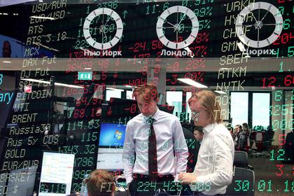 Россиянам захотели запретить торговать валютой