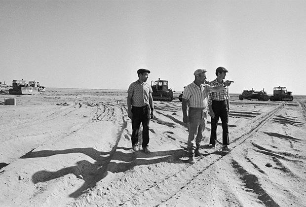 Хлопковая плантация в Узбекистане