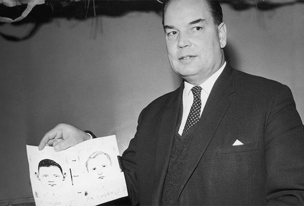 Детектив Уильям Мерчант демонстрирует фоторобот убийцы