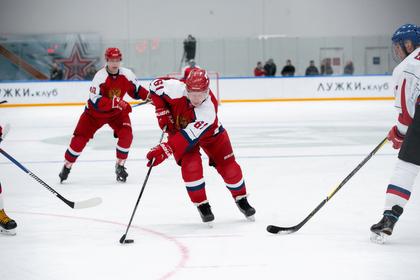 Легенды хоккея сыграли против сборной «Лужки.Клуба» и выиграли