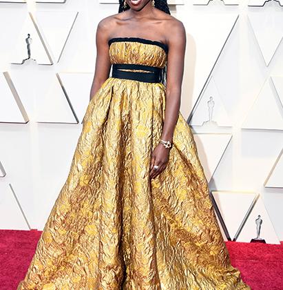 Актриса Данай Гурира («Черная Пантера») золотую статуэтку не получила, удовольствовавшись золотым платьем Brock Collection, дополненным драгоценностями Fred Leighton. Несколько избыточно, но на такой красивой девушке вполне приемлемо.