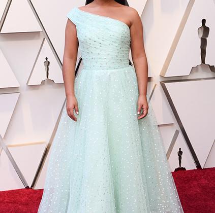 Мексиканка индейского происхождения Ялица Апарисио, номинированная на «Оскара» за главную роль в фильме «Рома», осталась без наград, но вдоволь попозировала на красной дорожке в платье Rodarte.