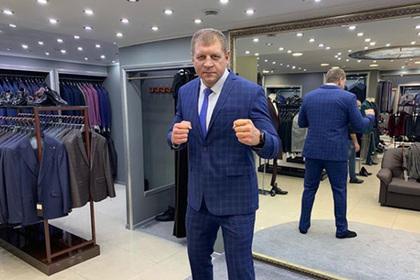 Фанаты пристыдили Александра Емельяненко за пощечину на мастер-классе