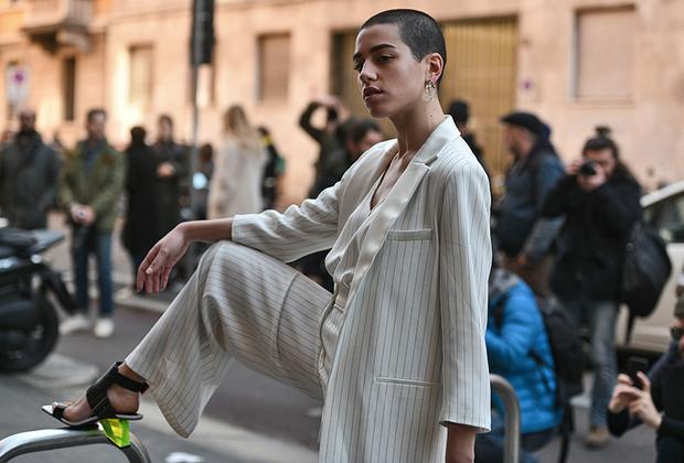 Если туфли по-настоящему экстравагантны, то вся прочая одежда может быть любой.