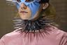 Алессандро Микеле руководит Gucci сравнительно недолго, но модные критики в один голос утверждают, что он придумал для бренда новый изобразительный язык. Судя по антуражу новой коллекции с ошейниками и масками в духе садо-мазо, — язык порой довольно агрессивный, хотя в целом одежда от Микеле весьма женственна.