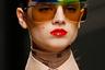 Недавно умерший великий дизайнер Карл Лагерфельд возглавлял дом Fendi c 1965 года, и это одна из последних коллекций, созданных при его участии. Есть все основания полагать, что поклонники творчества мэтра раскупят все, что увидели на этом показе.
