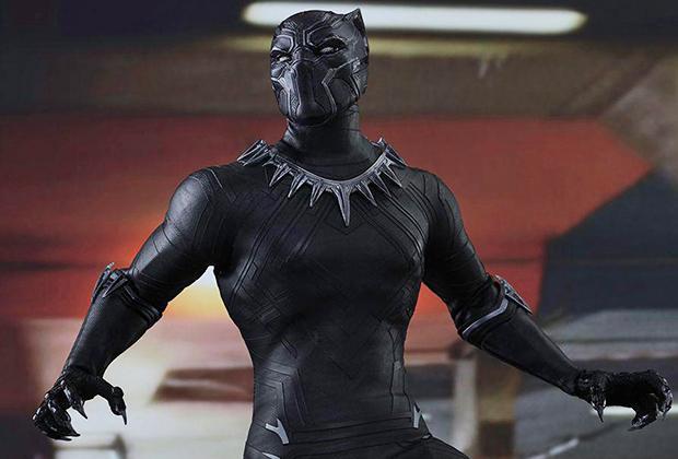 Создание костюма главного героя поставило перед Картер сразу несколько задач. Шлем должен был обеспечивать Чедвику Боузману свободное дыхание, а также хороший обзор, а сам костюм — не сковывать его движения и, в особенности, движения каскадеров.
