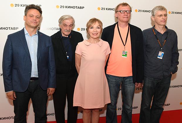 Премьера фильма «Ван Гоги» режиссера С.Ливнева на фестивале «Кинотавр» в Сочи