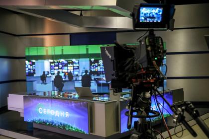 Декольте телеведущих НТВ возмутили казахстанского аксакала