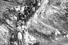 26-й президент США Теодор Рузвельт вместе со свитой спускается по тропе Энгл. 1911 год. Именно во время второго президентского срока Рузвельта в 1907 году Большой каньон получил статус национального монумента.