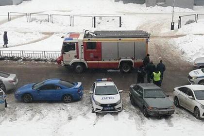 Неизвестные открыли стрельбу по прохожим у российской школы