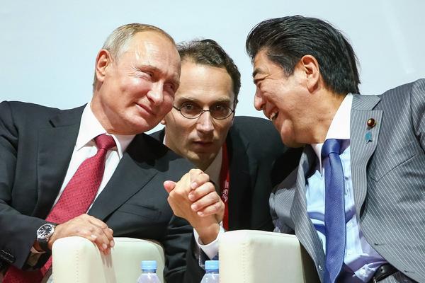 Владимир Путин и Синдзо Абэ