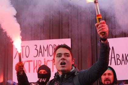 Глава полиции Украины обвинил СБУ в сотрудничестве с радикалами