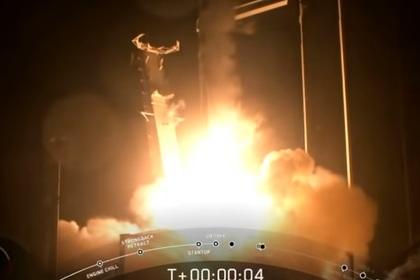 Полет андроида на космическом корабле Илона Маска сняли на видео