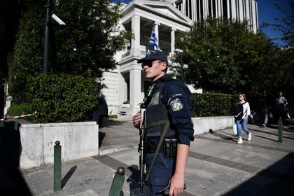 Задержанному в Греции российскому нефтянику предрекли смертельную опасность