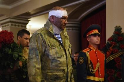 Александр Тимофеев на похоронах Захарченко после взрыва в центре Донецка