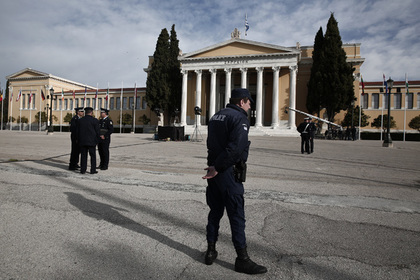 Украина обвинила арестованного в Греции российского нефтяника по трем статьям