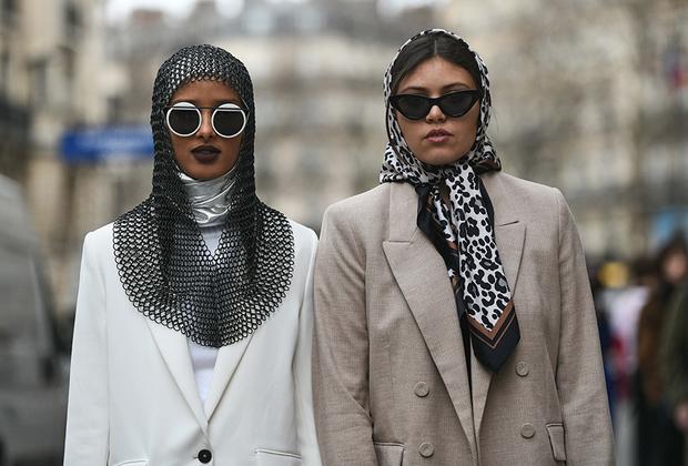 Парижанка вне зависимости от своей религиозной принадлежности обязана выглядеть стильно. Главное, не забывать, что эпоха крестовых походов давно закончилась, и кольчугу можно уже и не надевать на всякий случай.