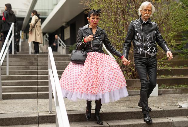 Мир захватывают бинэйджеры — те, кому за 50 (best age), но одеваются, как тинэйджеры. С другой стороны, как еще одеваться на показ одного из членов банды Comme des Garçons Кея Ниномии?