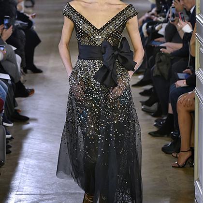 Дизайнер ливанского происхождения Эли Сааб сделал то, что умеет лучше всего: коллекцию красивых и элегантных платьев на все времена.