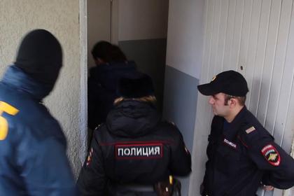 Насиловавших школьницу четыре месяца мужчин отправили в СИЗО