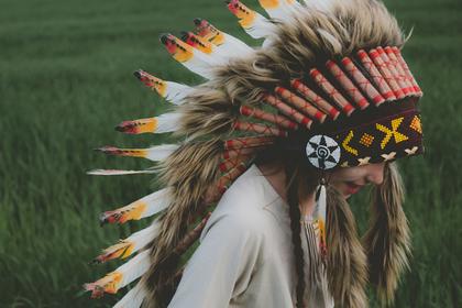 Ряженых индейцами детей сочли оскорбительными