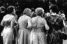 Мозес любил играть с перспективой, благодаря чему добивался выразительности, как на фотографии «Высшее общество», на которой ему удалось запечатлеть посетительниц Байройтского фестиваля 1961 года. В это время Мозес работал фоторепортером немецкого журнала Stern.