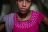 17-летняя Лилиана не может назвать конкретной причины, по которой ушла из дома четыре года назад. Она признается, что жизнь на улице казалась ей веселой и свободной. Правда, были и шокирующие вещи, например, проплывший как-то по реке мимо нее труп. <br></br> По словам Лилианы, к ней бывали жестоки полицейские. «Один раз меня поймали и срезали все мои волосы», — рассказала она. Последние три года девушка встречается с Габриэлем, тоже беспризорником.