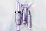 Гамма для ухода за светлыми волосами (как натуральными, в том числе седыми, так и искусственно осветленными или окрашенными) с увлажняющей гиалуроновой кислотой включает шампунь-ванну Lumière, восстанавливающее молочко-ход Cicaflash с экстрактом эдельвейса и сыворотку для термозащиты во время укладки и укрепления волос Cicaplasme.