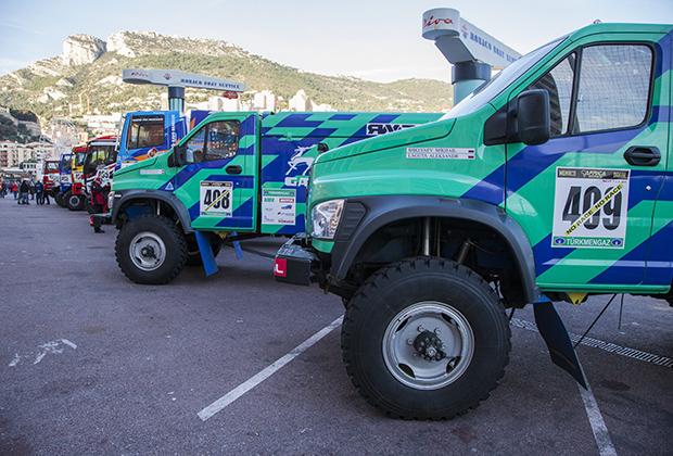 «ГАЗ Садко Next» перед дорогой длиной более 6тысяч километров, из которых около 4,5 тысячи— боевые.