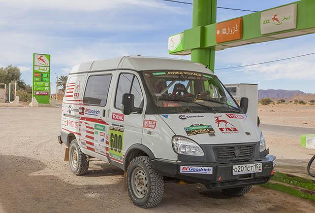 Оказывается, эмблему Горьковского автомобильного завода беззастенчиво позаимствовала марокканская АЗС.