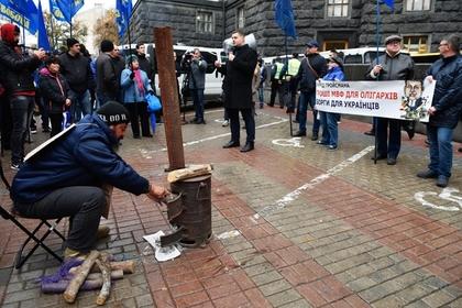 Украинцы начали отказываться от газа и переходить на дрова