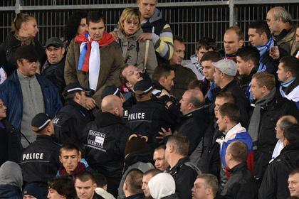 Полицейские разогнали дерущихся фанатов выстрелами