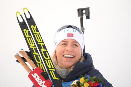 Норвежская биатлонистка стала «сучкой» и обыграла немку на финише гонки