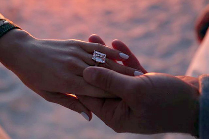 Дженнифер Лопес получила на помолвку кольцо за 4,5 миллиона долларов