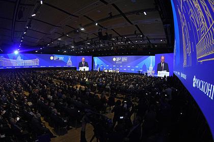 США решили бойкотировать главный экономический форум России