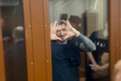 Жена Мамаева навестила футболиста в СИЗО и рассказала о его форме