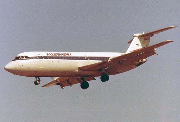 737 столь долго находится на конвейере, что за это время диспозиция на рынке гражданской авиации полностью изменилась. Когда американский лайнер поднялся в небо, его основными конкурентами в Европе были британские самолеты. Например, BAC-111.