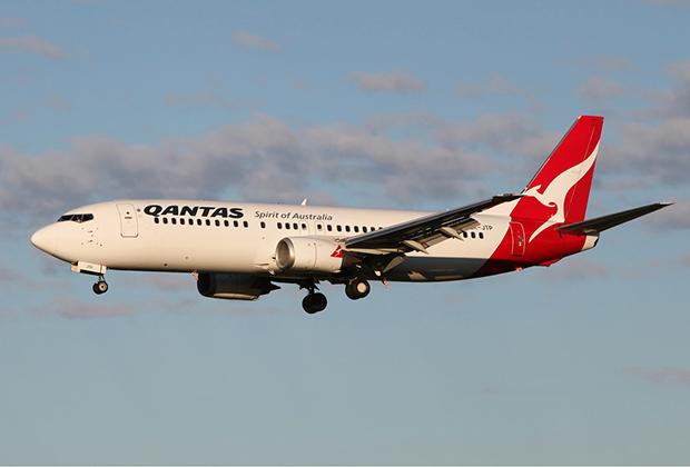 Если большая часть 737 Original уже давно не летает из-за своей экономической неэффективности, то представителей 737 Classic в небе еще много — производство продолжалось вплоть до 2000 года.