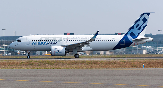 В отличие от Boeing, с выпуском версии neo в Airbus, судя по скромным затратам на разработку, далеко не исчерпали потенциал семейства A320. Хотя пока, как заявляют в  Сиэтле, американцы все же чуть впереди: MAX на несколько процентов экономичнее neo.