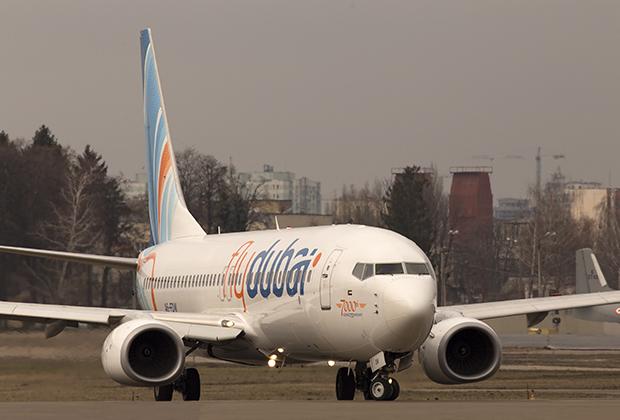 Третье поколение 737, получившее имя Next Generation, расширилось до четырех модификаций. Помимо самолетов с фюзеляжами разной длины в гамме появились и версии ER с увеличенной дальностью. 737 впервые стал трансконтинентальным лайнером.