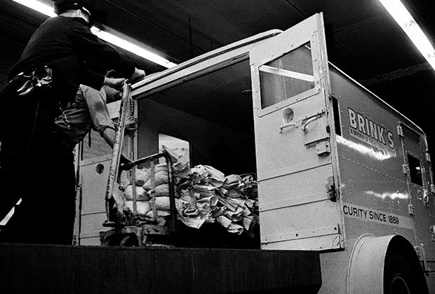 Бронированный фургон Brink's, 1965 год