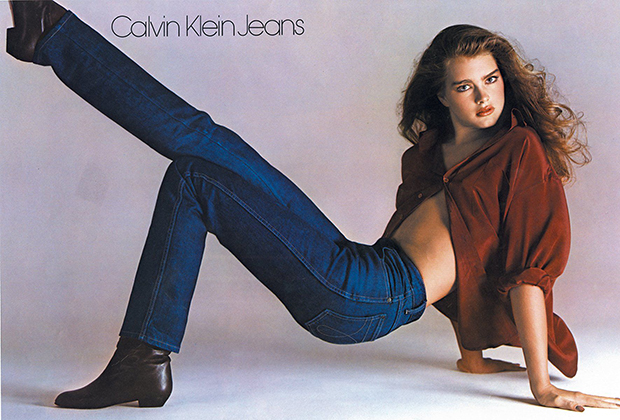 Знаменитая реклама Calvin Klein Jeans с Брук Шилдс, которая вышла в 1980 году, когда модели и актрисе было всего 15 лет. Спустя 37 лет Шилдс вновь снялась в рекламе бренда.