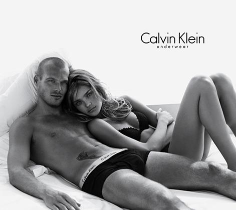 Скандалы часто сопровождали рекламные кампании брендов Calvin Klein. Например, нижнее белье рекламировал один из первых открытых геев в мировом футболе Фредрик Юнгберг. Он обнимал в ней Наталью Водянову — не только одну из самых высокооплачиваемых моделей из работавших с брендом, но и бесспорно гетеросексуальную.