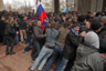 Участники митинга у здания Верховного совета Крыма в Симферополе. 26 февраля 2014