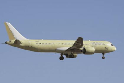 Ввоздух поднялся третий русский самолет МС-21-300