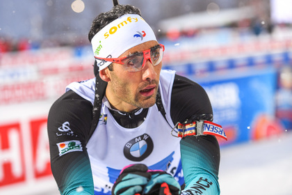 Медаль российских биатлонистов назвали подарком Фуркада